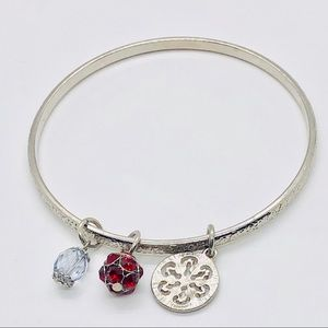 ❤️ silver tone bangle with three charms❤️